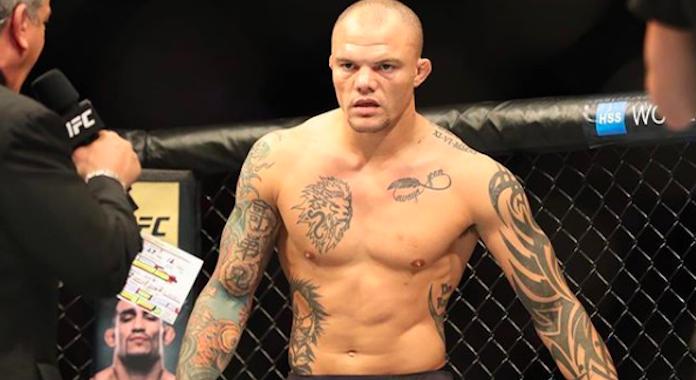 Anthony Smith prefiere una pelea con Thiago Santos que la revancha con Jon Jones