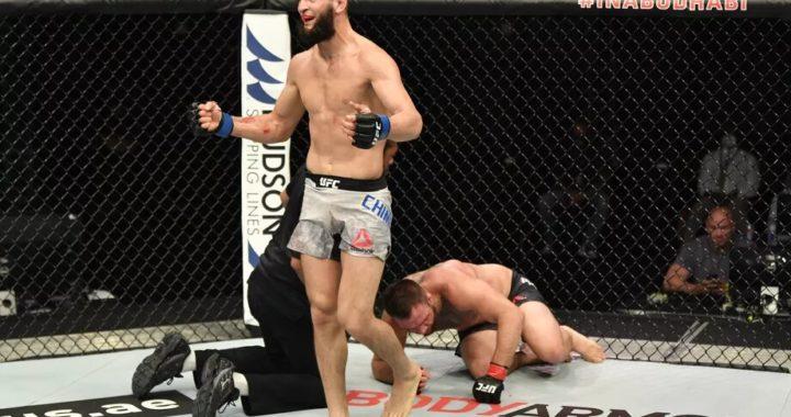 Khamzat Chimaiev se burla de Conor McGregor y promete noquearlo en la primera ronda