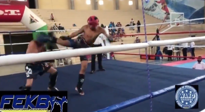 VIDEO: Peleador ecuatoriano de kickboxing falleció luego de recibir una patada en la cabeza